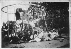 meisjeskoor-eemnes-ca1934